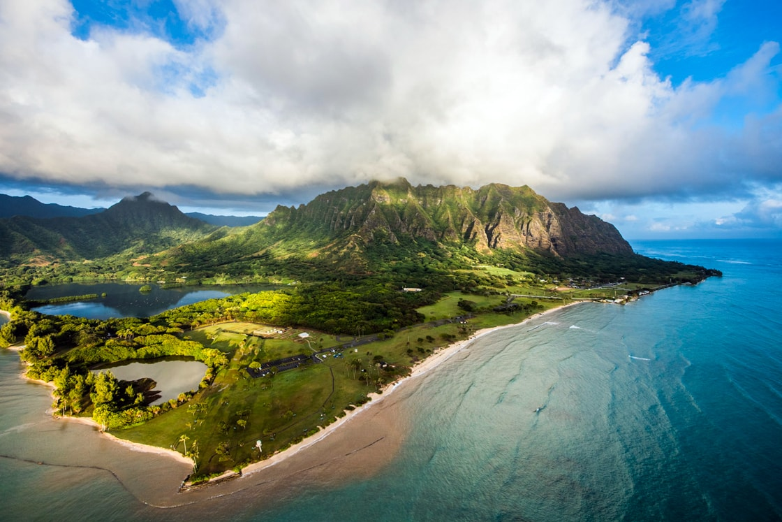 Novictor Oahu Helicopter Tours - Royal Crown of Oahu